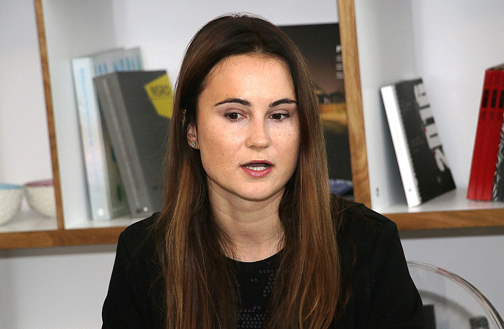"""Agnija Mirgorodska uzsvērusi, ka Rīgas biennālē """"spekulatīvas mākslas nebūs""""."""