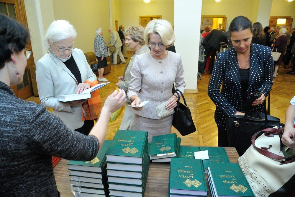 """LZA prezentē grāmatu """"Latvija un latvieši"""", 23.05.2018."""