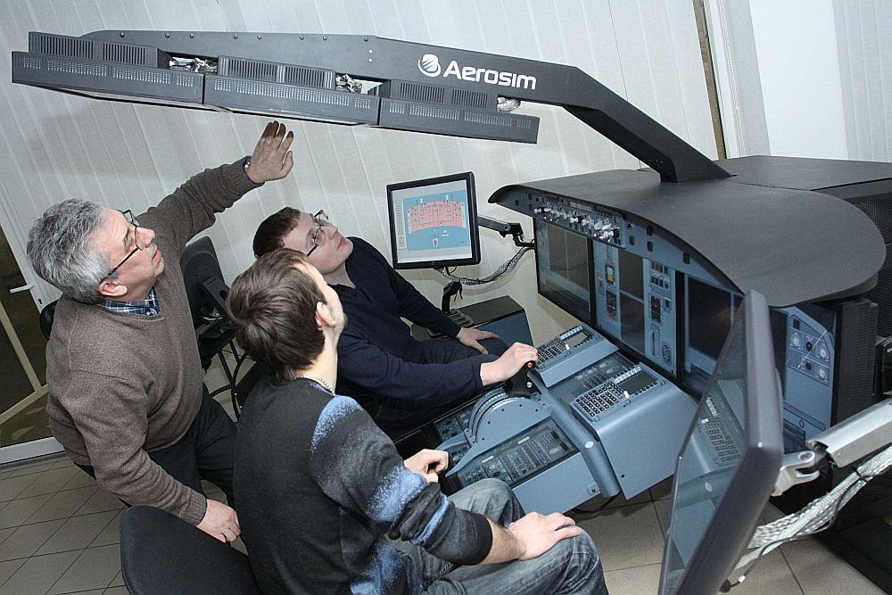 Transporta un sakaru institūtā, kur apgūst aviācijas noslēpumus, gandrīz visi studenti studē krieviski.
