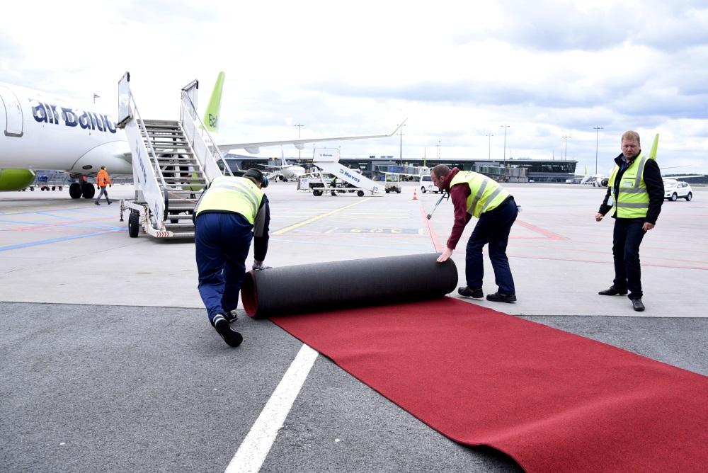 Ilustratīvs foto. Rīgas lidostā jaunais CS300 Bombardier, 2018.