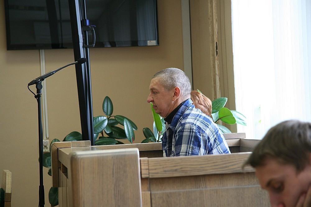 Tiesā nolēma noteikt apsūdzētajam Mārim Zvaneram ekspertīzi.