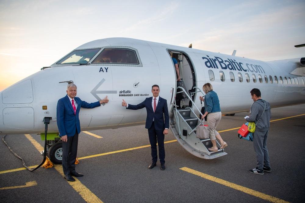 Liepājas lidostā atzīmē 1 gadu kopš regulāru avioreisu nodrošināšanas maršrutā Liepāja – Rīga, 17.05.2018.