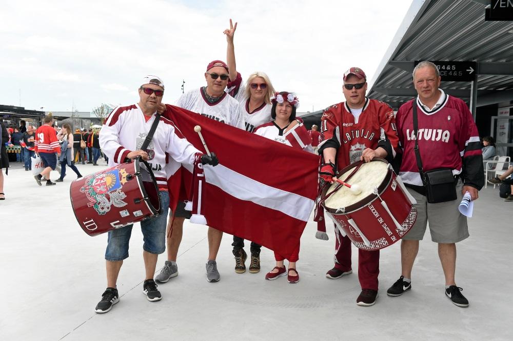 Hokeja fani Herningā ierodas atbalstīt Latvijas izlasi cīņā pret Vāciju, 12.05.2018.
