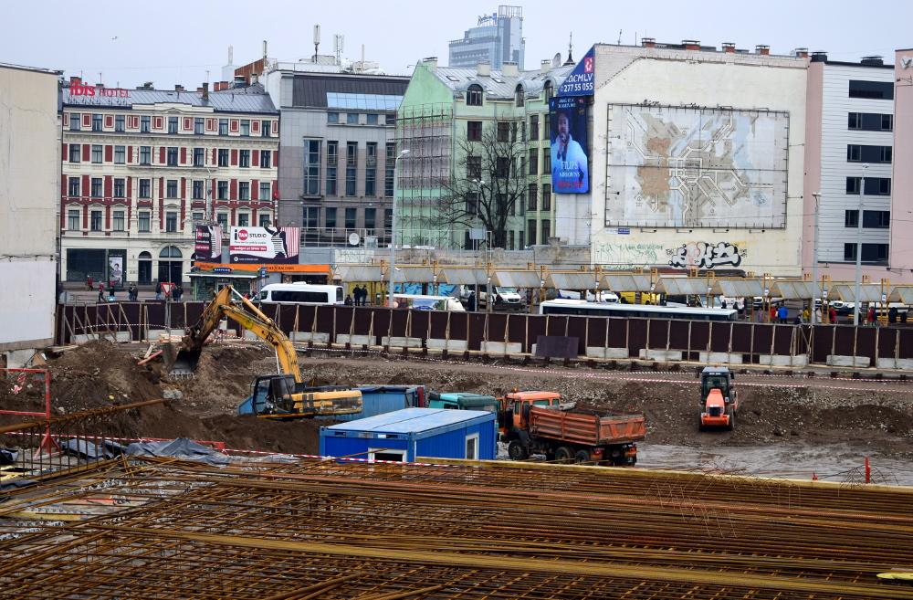 """""""Origo"""" pārbūves būvlaukumā martā. Foto – LETA"""