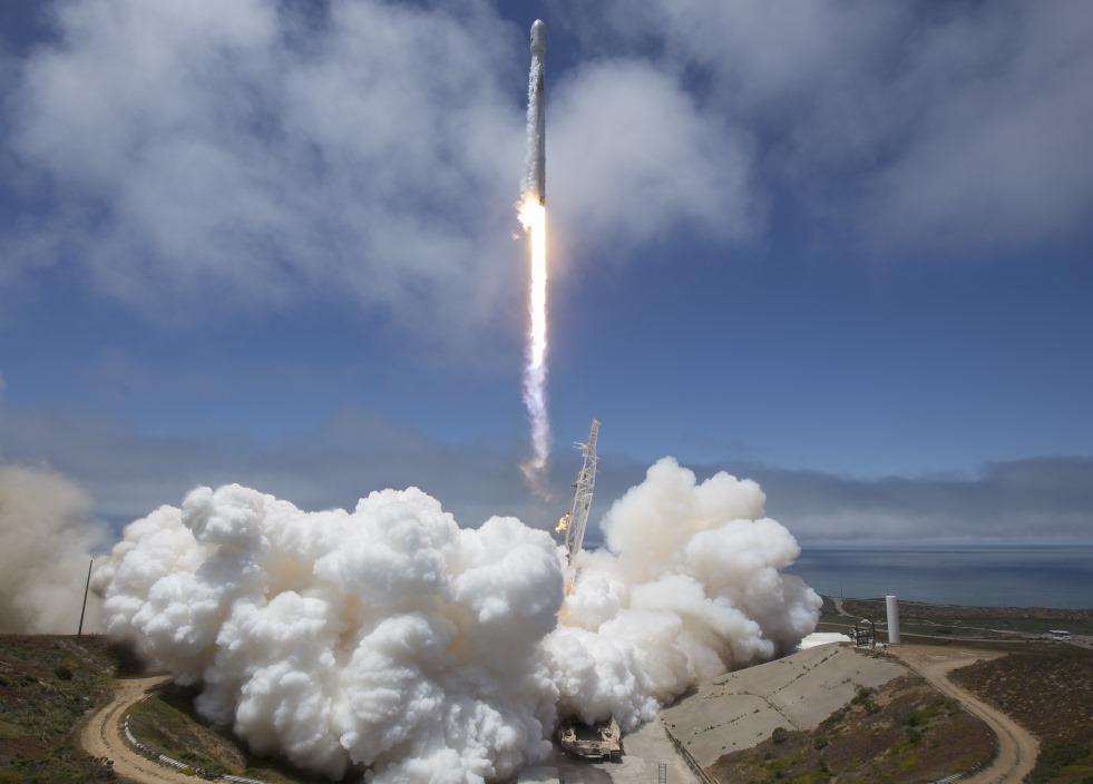 """ASV kosmosa transporta uzņēmums """"SpaceX"""","""