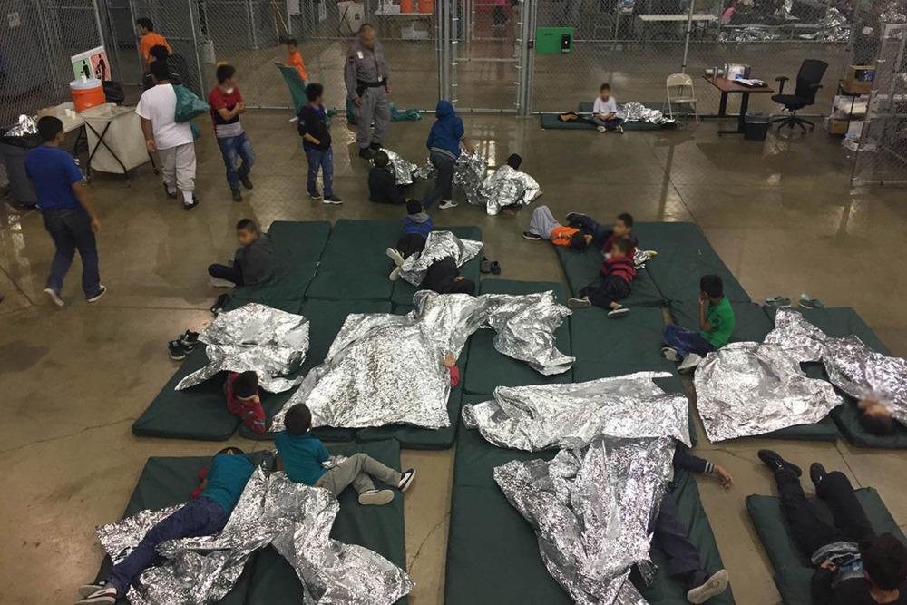 Uz ASV un Meksikas robežas no imigrantu ģimenēm nošķir bērnus, 18.06.2018.
