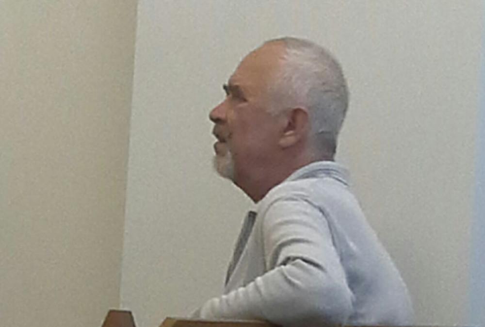 Apsūdzētais  Pjotrs Brodeckis tiesā. Foto – Artis Drēziņš