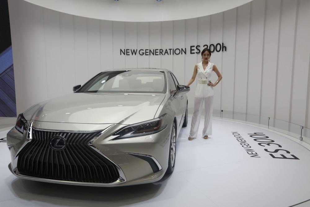 Ilustratīvs foto. Jaunais Lexus ES, 2018.gada jūnijs.