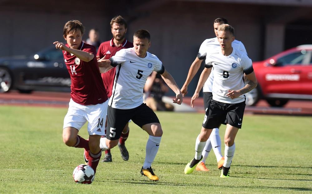 Jānis Ikaunieks turpinās spēlēt Liepājas/Mogo futbola klubā.