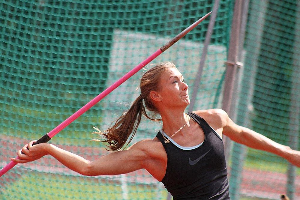 Latvijas vieglatlētikas pēdējo gadu spilgtākā zvaigzne Laura Ikauniece-Admidiņa šonedēļ mūsu valsts čempionātā metīs šķēpu, taču startēt septiņcīņā vēl neriskē.