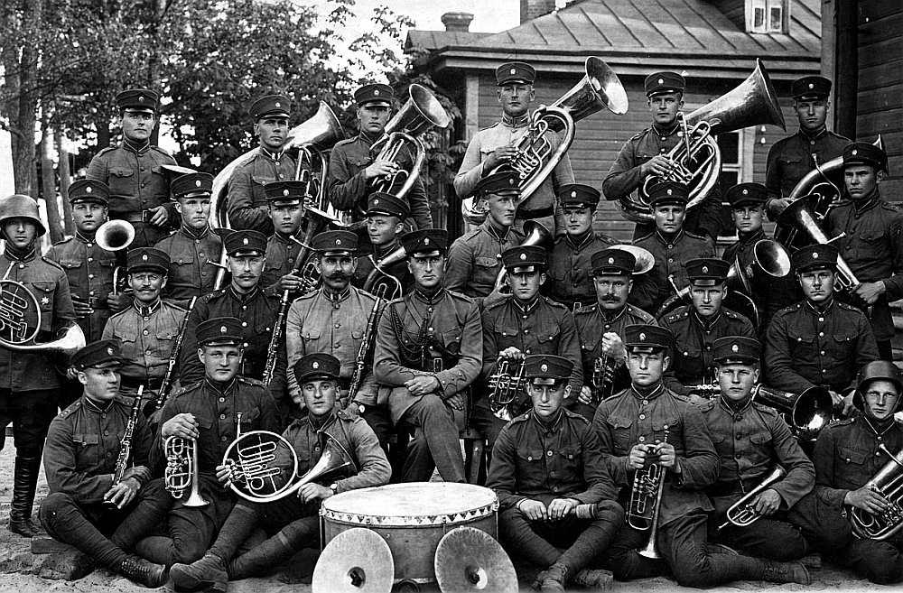 Latvijas armijas Ventspils pulka orķestris 20. gados.