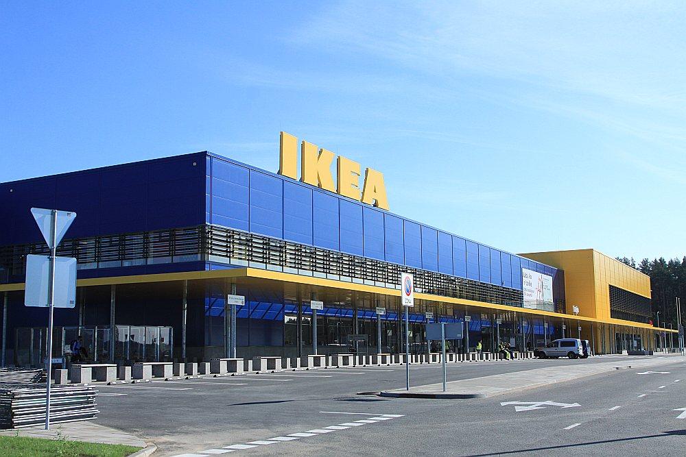 30. augustā Juglas un Biķernieku ielas krustojumā Rīgā IKEA atvērs savu pirmo veikalu Latvijā.