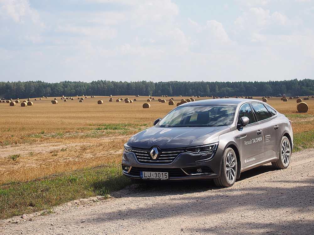"""""""Renault Talisman"""" ceļā uz Lielauces ezeru."""