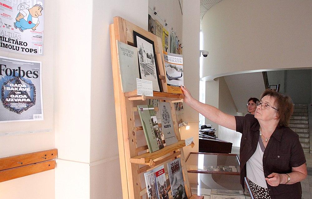"""Izstāde """"Latviešu žurnāli 100 gados"""" būs skatāma līdz 2019. gada 31. janvārim. Misiņa bibliotēka ir atvērta jebkuram apmeklētājam."""
