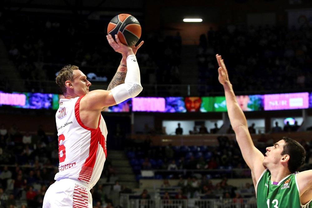 Basketbolists Jānis Timma (foto – no kreisās). Arhīva foto.