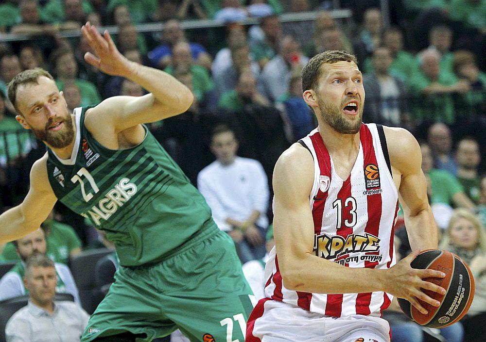 Jānis Strēlnieks vedīs cīņā Latvijas izlasi pret Eiropas čempioniem.