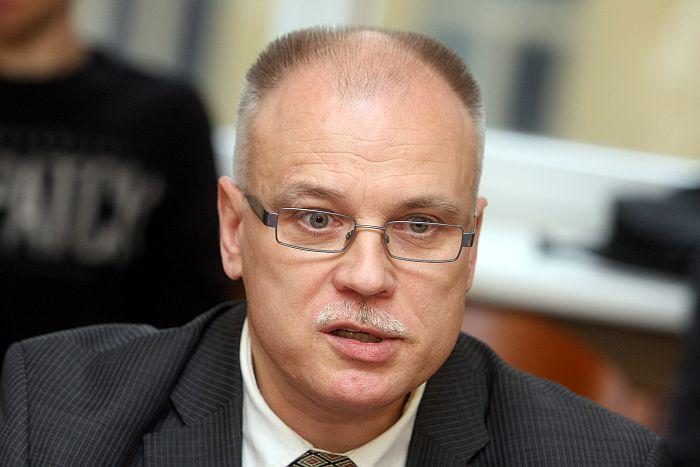 Latvijas Veselības un sociālās aprūpes darbinieku arodbiedrības (LVSADA) valdes priekšsēdētājs Valdis Keris.