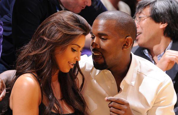 Kima kopā ar vīru Kanje Vestu