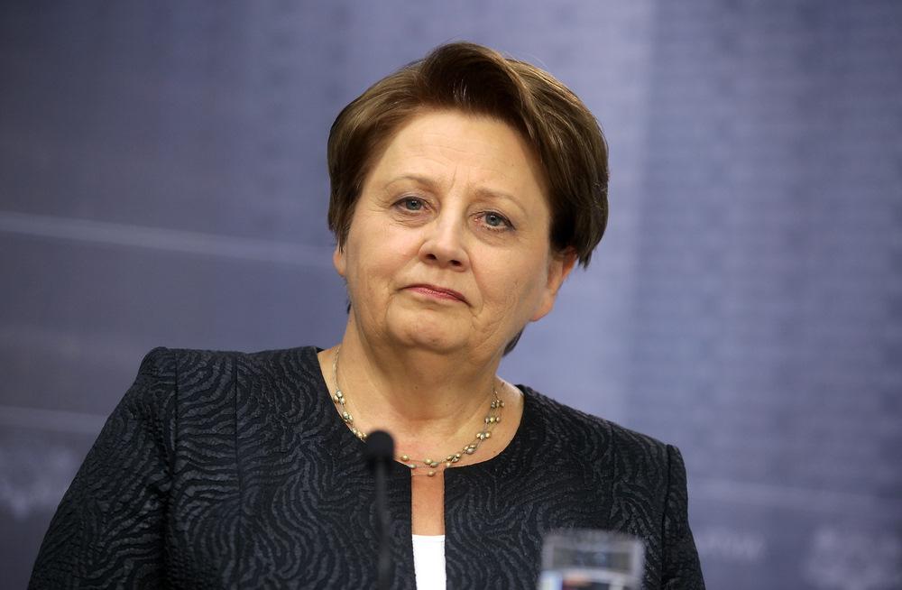 Ministru prezidente Laimdota Straujuma.