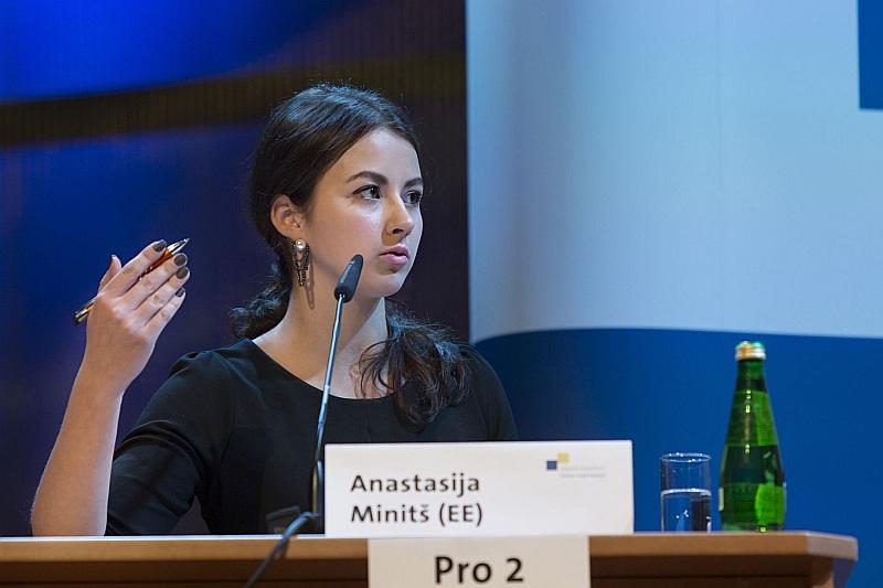Jaunatnes debašu konkursa uzvarētājai Anastasijai Mintišai no Igaunijas visgrūtākā likusies tēma par pieminekļiem.