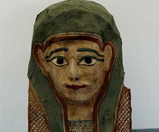 Mūmijas maska, kurā atrasts Marka evaņģēlija fragments, līdzīga šai. Ilustratīvs attēls