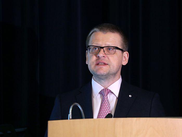 """Veselības ministrs Guntis Belēvičs piedalās konferencē """"Liekā svara problēmas bērniem"""", kuras mērķis ir aktualizēt liekā svara problēmu valstī, informēt dažādu specialitāšu ārstus par lieko svaru bērniem un ar to saistītām veselības problēmām."""