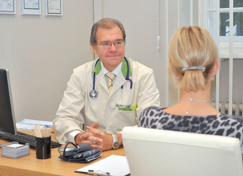 """""""Reizēm sarunai ar pacientu nepietiek pat ar stundu,"""" atzīst Edmunds Jansons."""