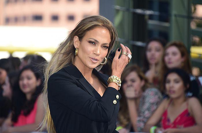 Dziedātāja un aktrise Dženifera Lopesa, 46 gadi.