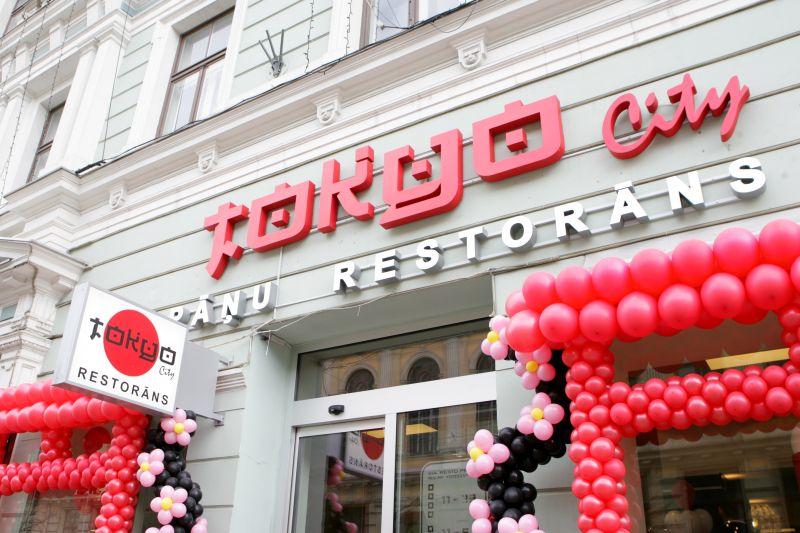 """Restorāns """"Tokyo city"""" atklāšanas dienā."""