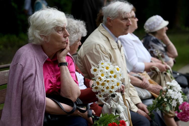 Komunistiskā genocīda upuru piemiņas pasākums pie Torņakalna stacijas.