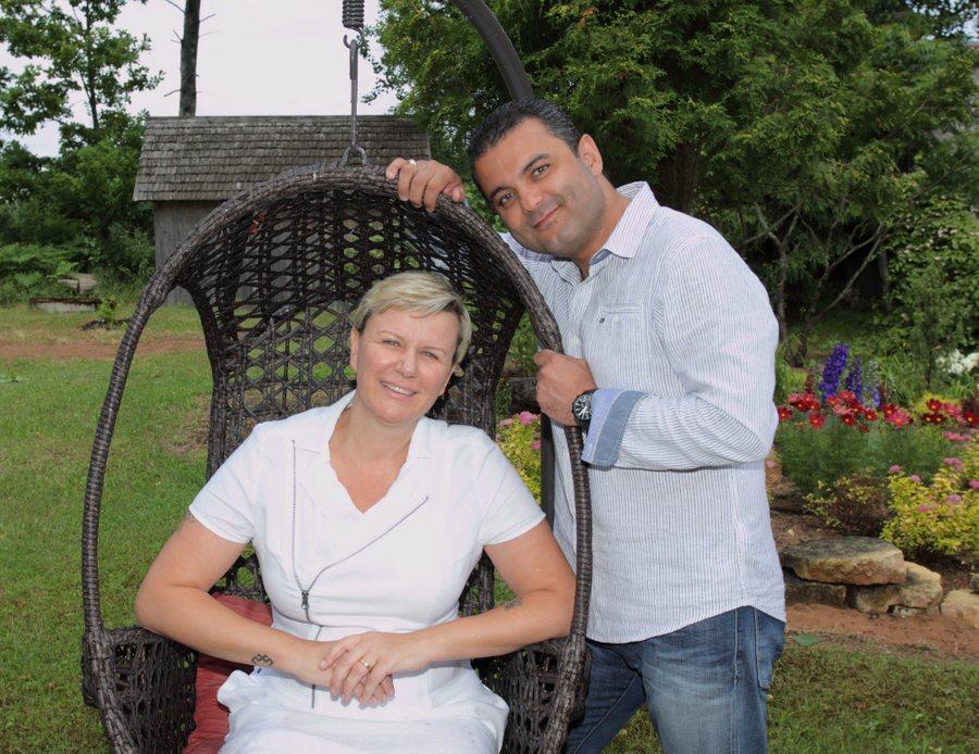 """Linda un Hosams iemīļotajā """"Salnēnu"""" dārzā"""