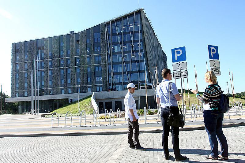 Pusotrā gadā uzcelta un iekārtota 35 miljonus vērta ēka studijām un zinātnei.