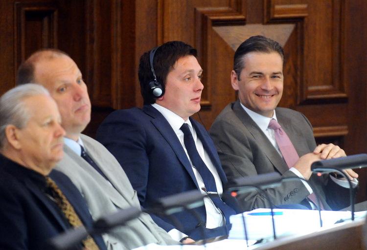 Saeimas deputāti Mārtiņš Bondars (no labās), Arturs Kaimiņš, Raimonds Bergmanis un Valdis Skujiņš.