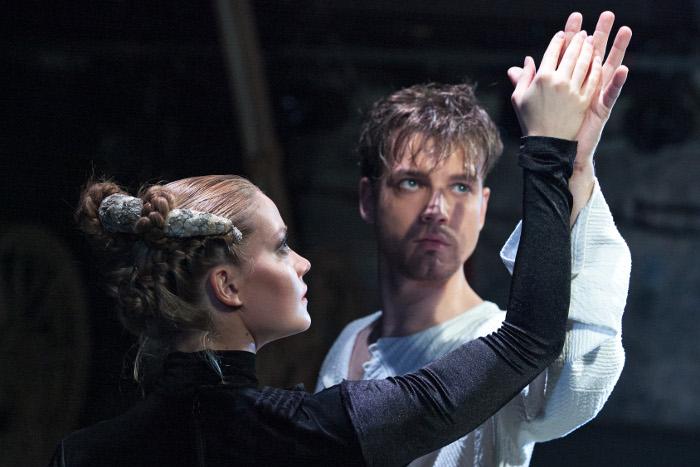 """Lugas """"Indulis un Arija"""" iesttudējums Liepājas teātrī, režisors Segejs Zemļanskis."""