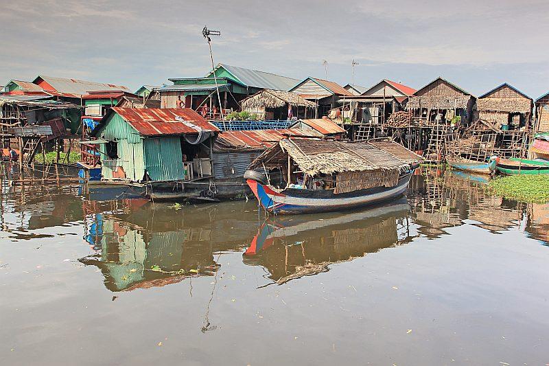 Ar ES atbalstu tiek īstenots projekts, ar kuru tiek sniegts atbalsts tradicionālajām zvejnieku kopienām, kas dzīvo kā sendienās – mājās virs ūdens uz koka pāļiem.