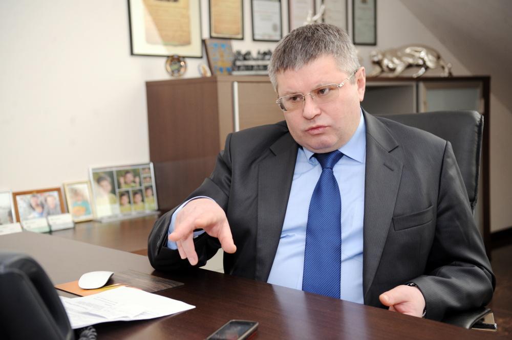 """AS """"PrivatBank"""" valdes priekšsēdētājs Oleksandrs Trubakovs."""