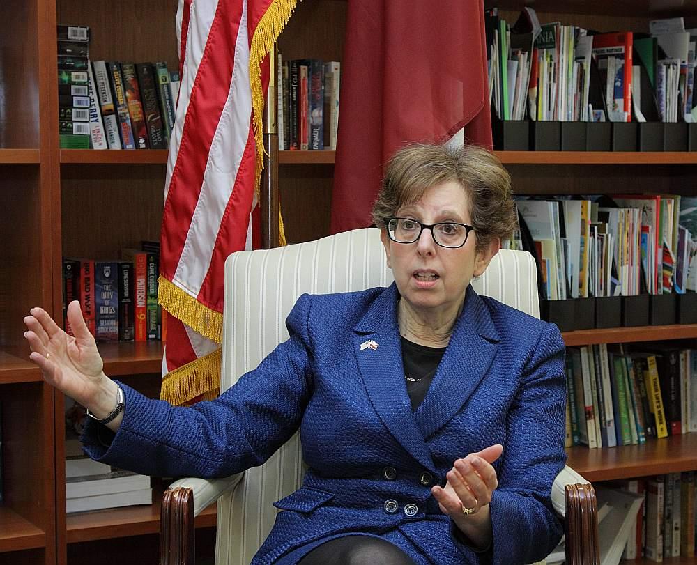 ASV vēstniece Latvijā Nensija Petita