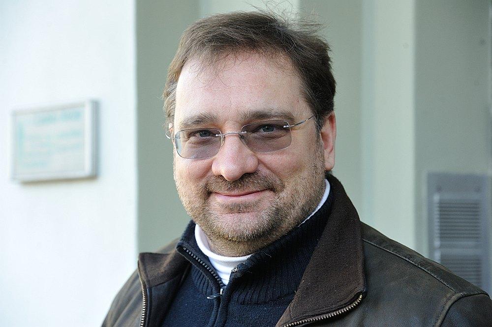 Latvijas Evaņģēliski luteriskās baznīcas ārpus Latvijas prāvests Kārlis Žols.