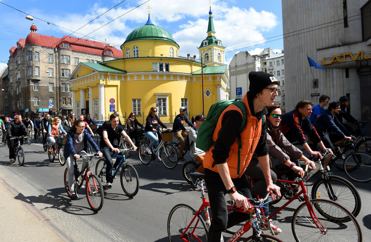 """""""Kritiskā masa"""" Rīgas ielās 2016. gadā"""