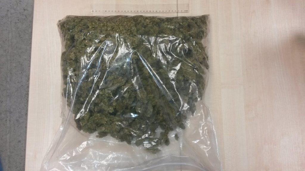 Tiesai nodod lietu par 1 kg marihuānas glabāšanu un realizāciju organizētā grupā