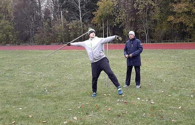 Lai arī finansiālā situācija ir neskaidra, viens no daudzsološākajiem jaunajiem Latvijas šķēpmetējiem Gatis Čakšs aktīvi gatavojas jaunajai sezonai trenera Aivara Vaivara vadībā.