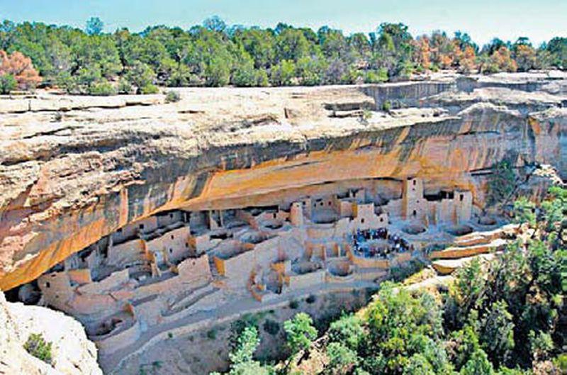 Klinšu pils Mesa Verde Nacionālajā parkā Kolorado štatā, ASV.