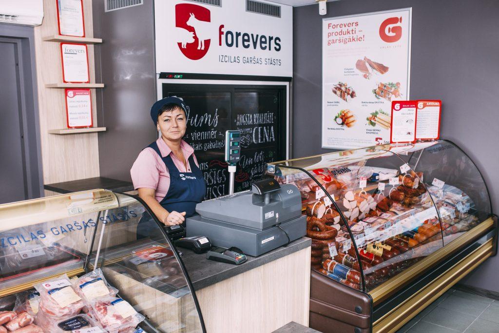 """""""Forevers"""" veikalā Dzelzavas ielā, Rīgā."""