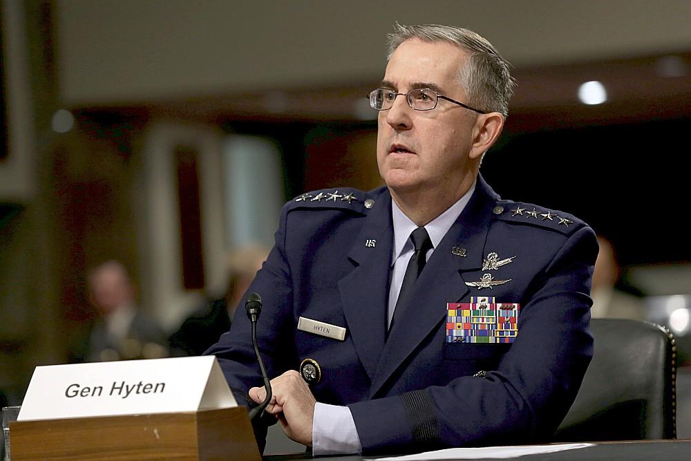 ASV Stratēģiskās pavēlniecības komandieris ģenerālis Džons Haitens