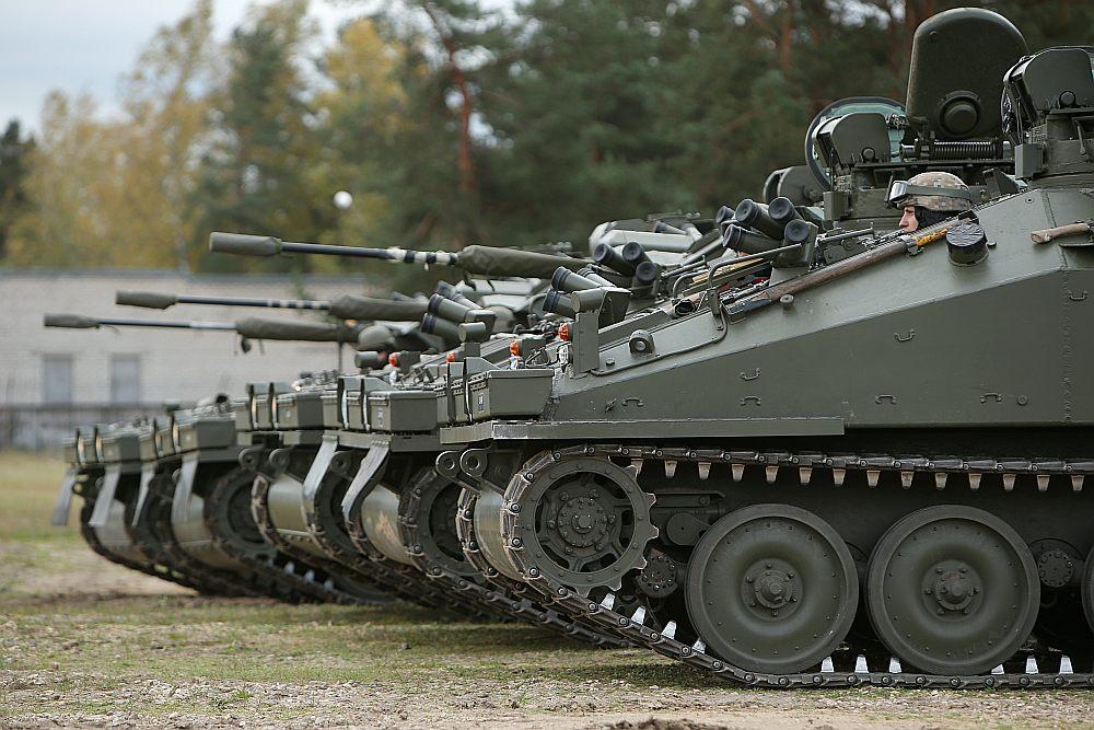 Bruņutehnika CVR(T) Ādažu militārajā bāzē.