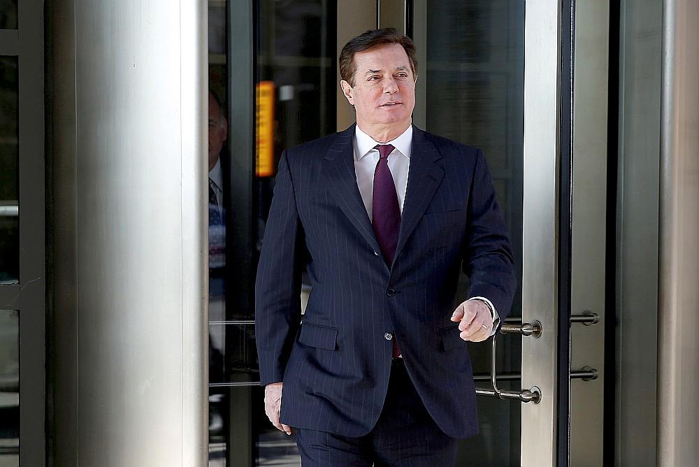 Pols Manaforts apsūdzēts vairāk nekā 30 miljonu dolāru ienākumu atmazgāšanā.