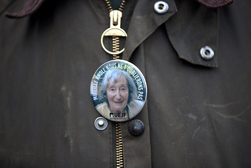 Pēc 85 gadus vecas ebrejietes slepkavības Parīzē un citās Francijas pilsētā trešdien, 28.martā, notikušas demonstrācijas, kurās nosodīts antisemītisms.