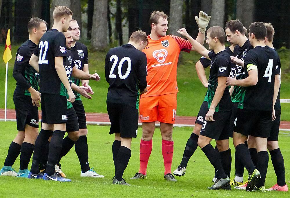 Valmieras futbola komanda virslīgā atgriezusies pēc 15 gadu pārtraukuma, taču pirmās mājas spēles aizvadīs Staicelē.
