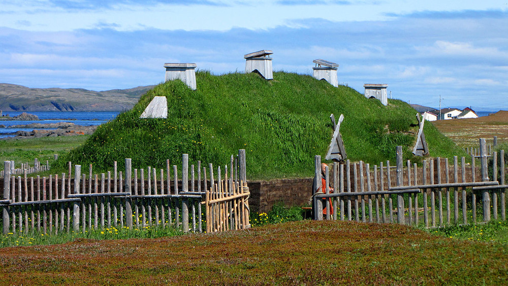 Vikingu guļbaļķu nama rekonstrukcija L'Anse aux Meadows.