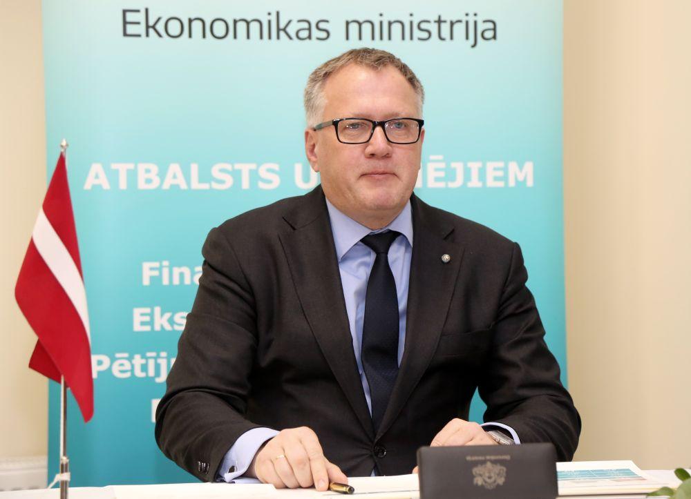 Ekonomikas ministrs Arvils Ašeradens.